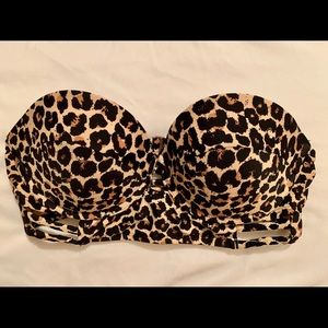 Xhilaration Leopard Swim Top in small